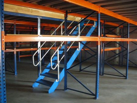 pallet racking supported mezzanine