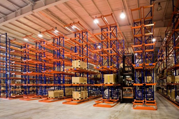 What is Very Narrow Aisle (VNA) Pallet Racking?