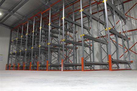 drive-in-pallet-racking-1
