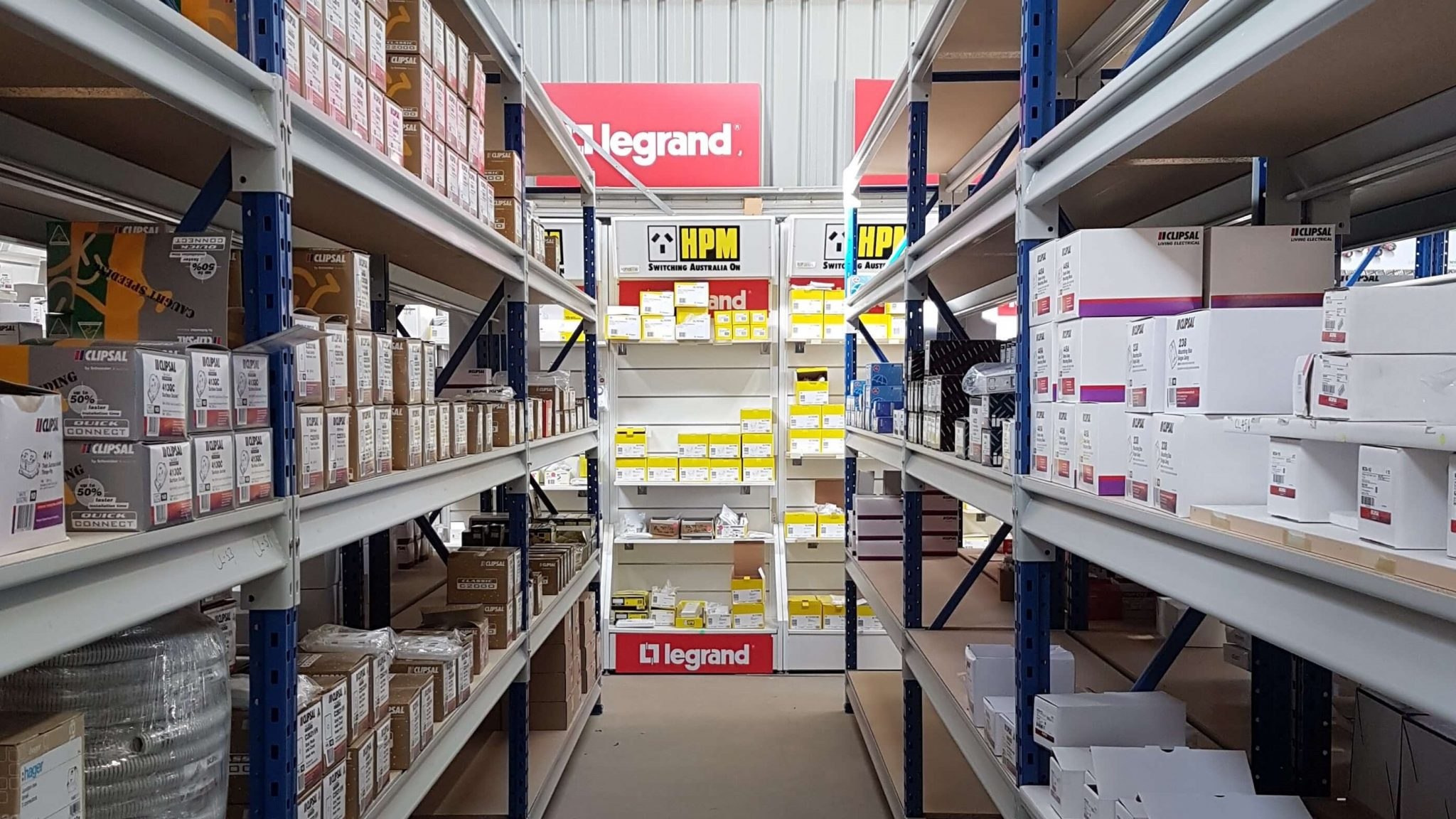 Storeplan Longspan shelving system in electrical wholesaler