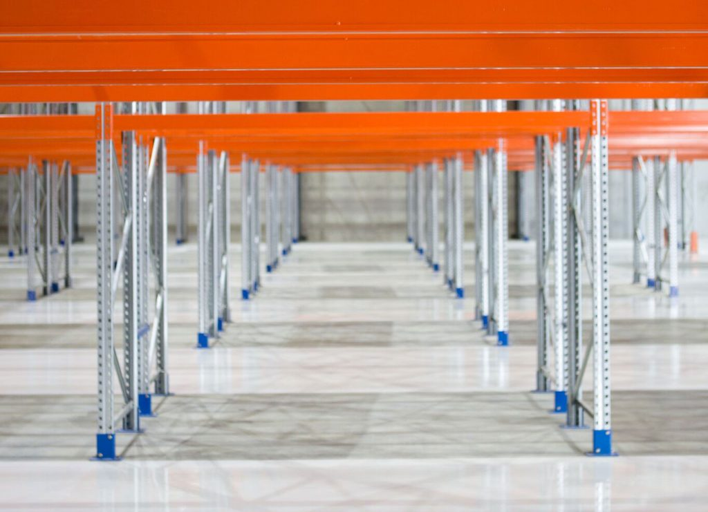 What is the Best Storage System for Industrial Warehouses?
