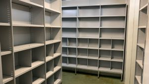 RUT Shelving with dividers to store clothing