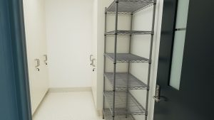 Sterile-Storage-Area-Antimicrobial-Shelving